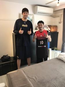 バスケットボール日本代表栃木ブレックス#10竹内公輔選手とメンテナンス後に